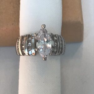 Size 7 S925 Marquise Crystal Ring Box *free gift*